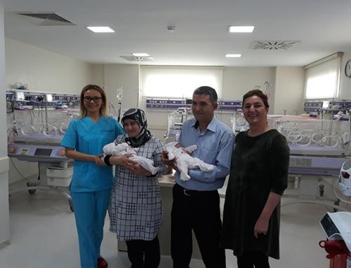 Ceren ve Beren bebeklerimizi anne-babasına sağlıkla teslim ettik